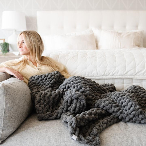 CHUNKY KNIT THROW PEWTER