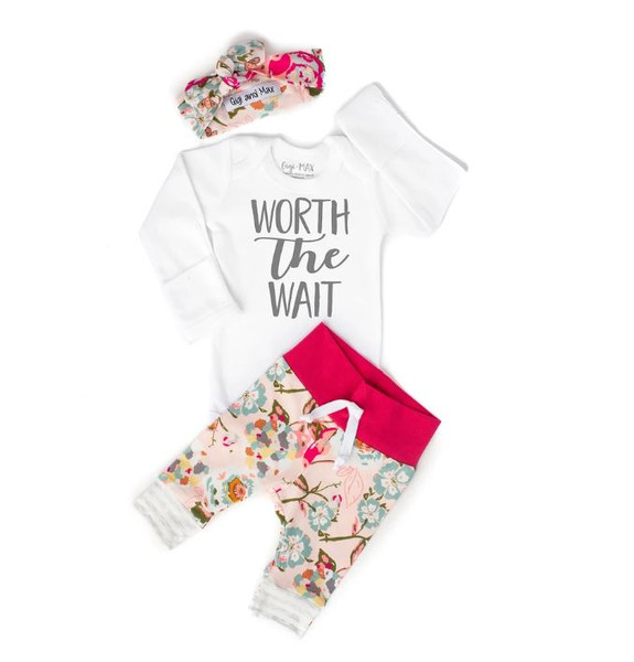 OUTFIT WORTH THE WAIT PINK FLORAL NEWBORN