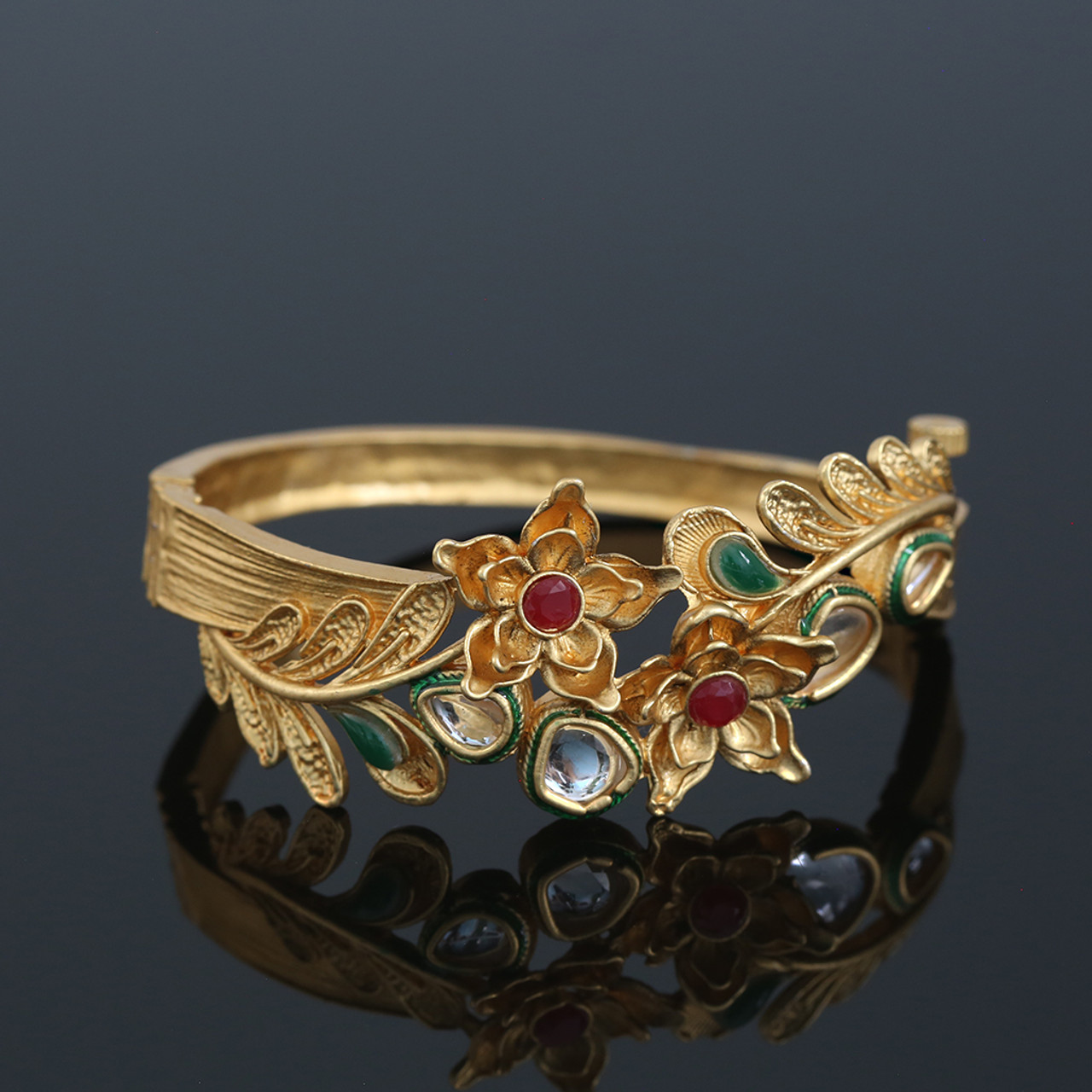 ca29244110f64 Light Weight Antique Gold Plated Floral Leaf Design Screw Open Kada Bracelet