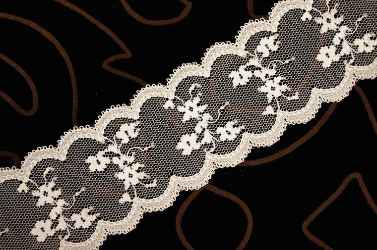 "2 1/4"" Beige Floral Scalloped Lace Trim Wholesale"