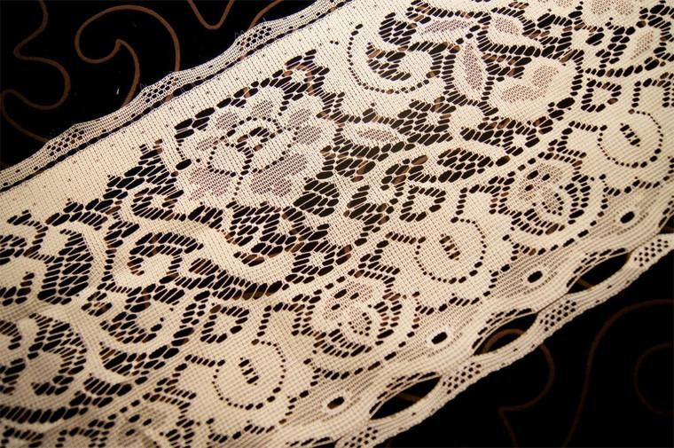 """8"""" Off White Vintage Lace Trim #1054"""