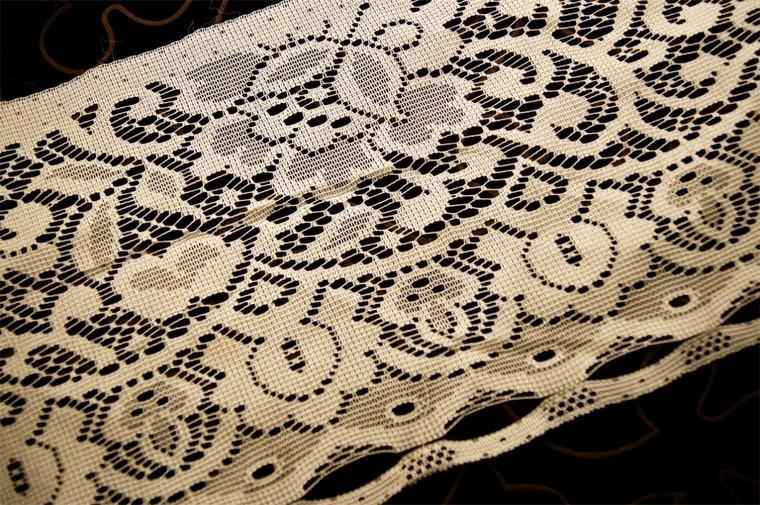 """8"""" Off White Vintage Lace Trim #1070"""