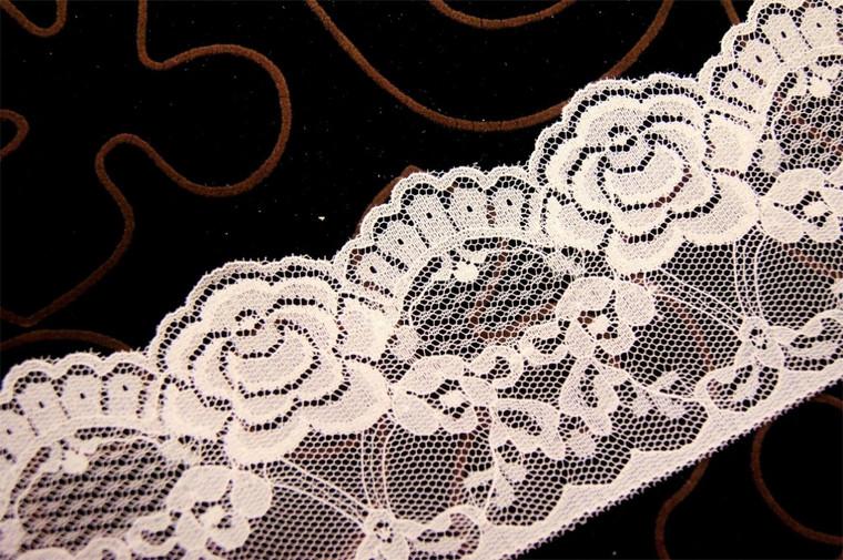 """3 1/4"""" Off White Floral Lace Trim Wholesale"""