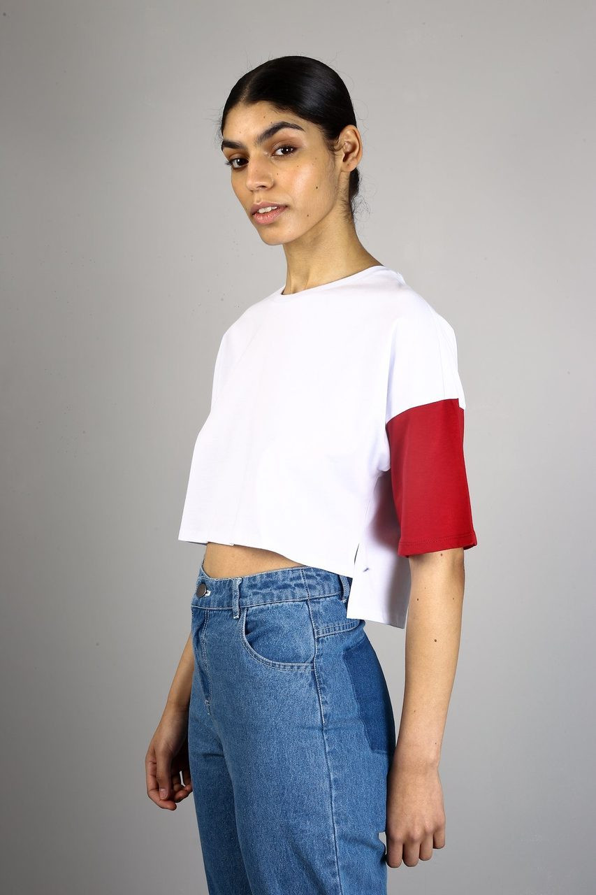 RED AND WHITE TIDES TEE