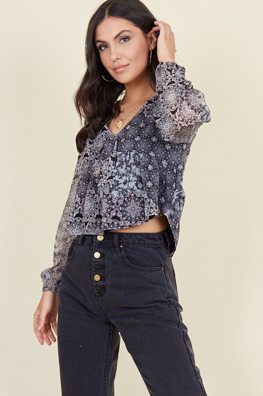 Black Moroccan Tile Tie Front Blouson Sleeve Top