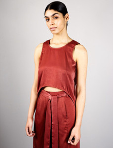 Lora top  crop with dropped hem