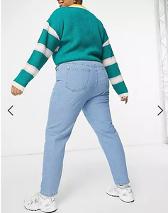 Curve Mom Jeans In Light Wash