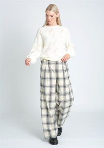 Loose Fit Spirral Knitted Stitch Jumper
