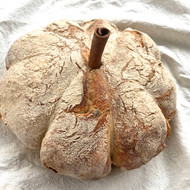 Pumpkin Shaped No-Knead Bread