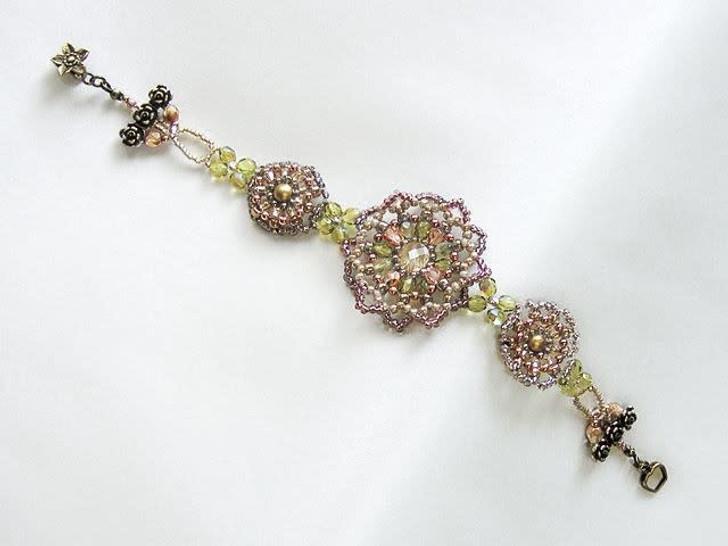 Bead Artistry Kits : Bracelet with Floral Motifs - Gold