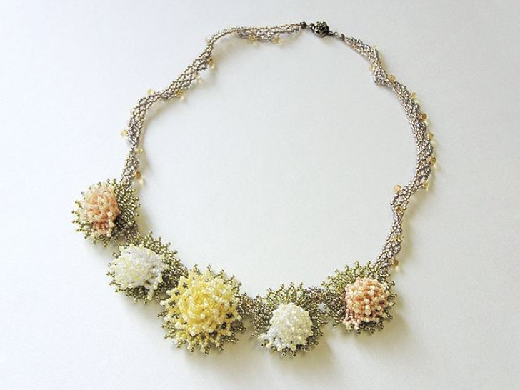 Bead Artistry Kits : Dahlia Necklace - Natural
