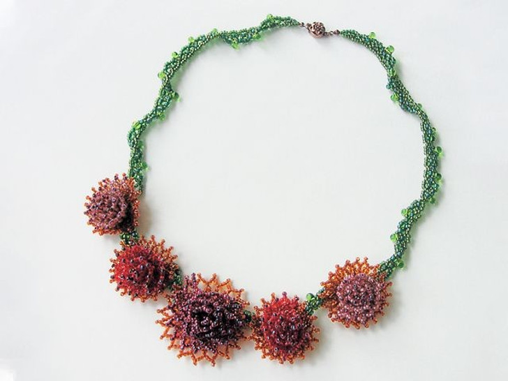 Bead Artistry Kits : Dahlia Necklace - Red