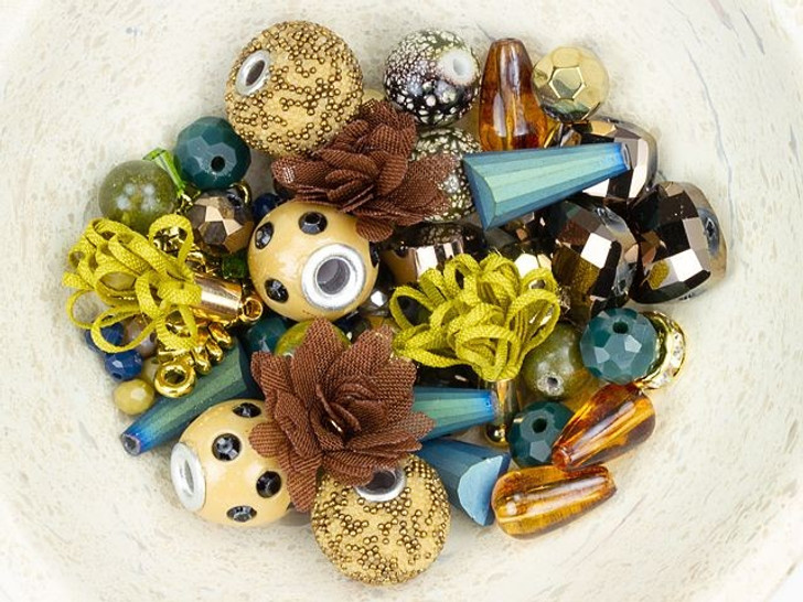 Jesse James Beads Design Elements Bead Mix in Safari Green
