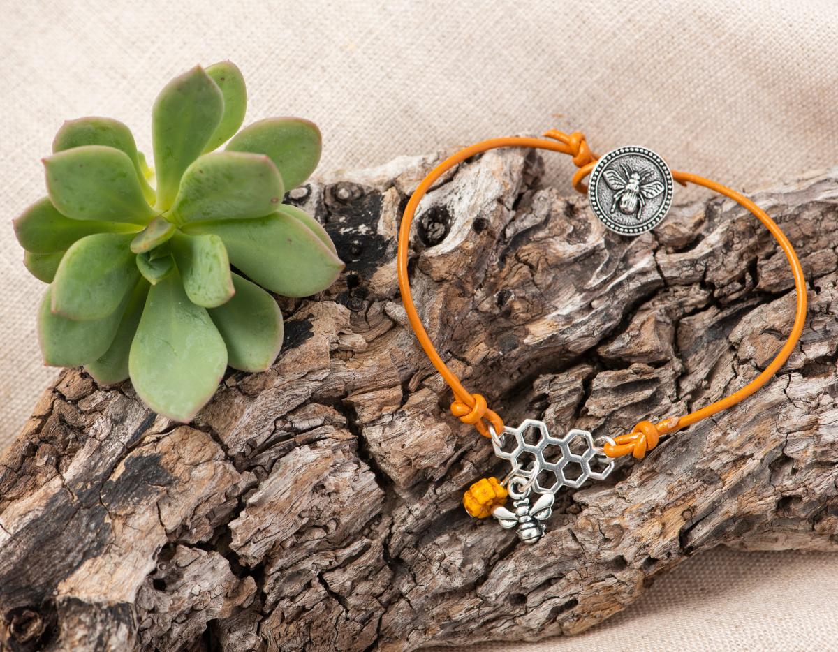 TierraCast Bee Bracelet