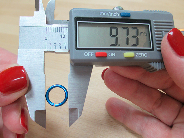 Measuring Jump Rings with Digital Calipers