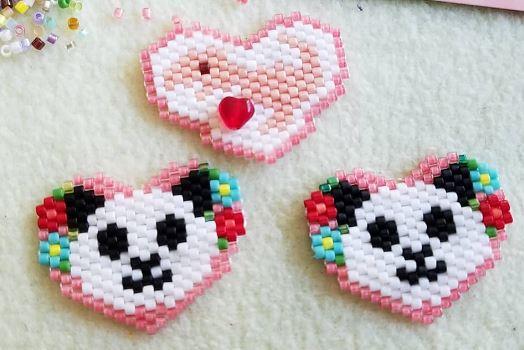 Heart Designs by @koh.beading on Instagram