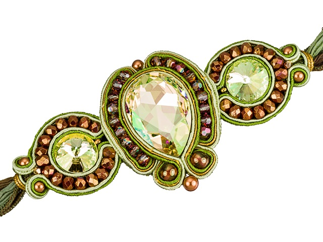Image of a soutache beading and embroidered bracelet