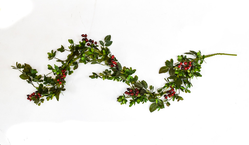 MISTLETOE & BERRY GARLAND 5'