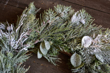 CEDAR & PINE SNOW WREATH - 24""