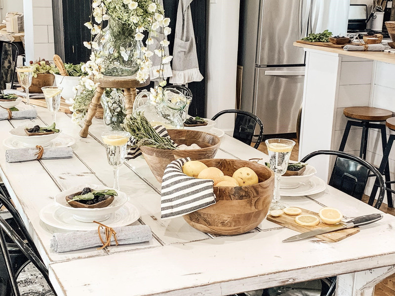 GUEST BLOGGER: Spring Tablescape