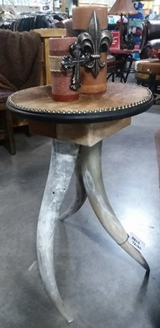 TRIPOD END TABLE WITH HORN LEGS