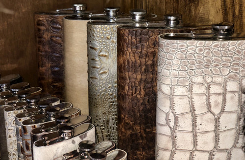 LEATHER FLASK 64 OZ