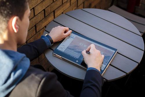 "HP Spectre x360 Core i5 8265U 8GB 256GB SSD Full HD 13.3"" Touchscreen Laptop"