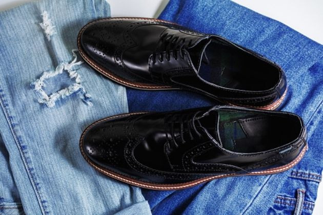 7 Rules on Wearing Dress Shoes with Jeans