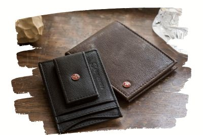 bifold-wallets-3.10.03.jpg