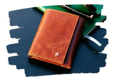 trifold-wallets-4.10.03.jpg