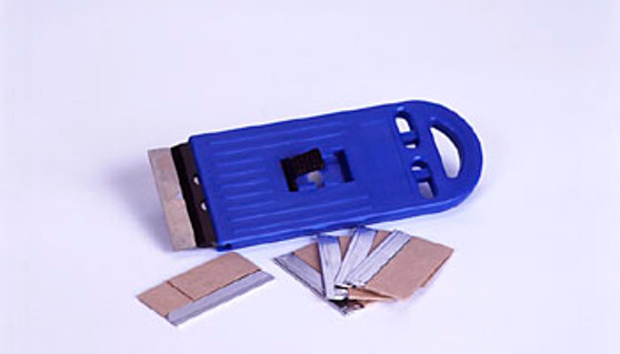SCRAPER - BLUE PLASTIC