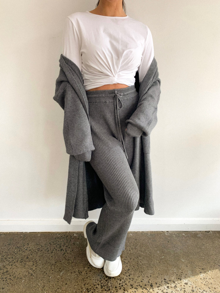 GREY KNIT PANTS