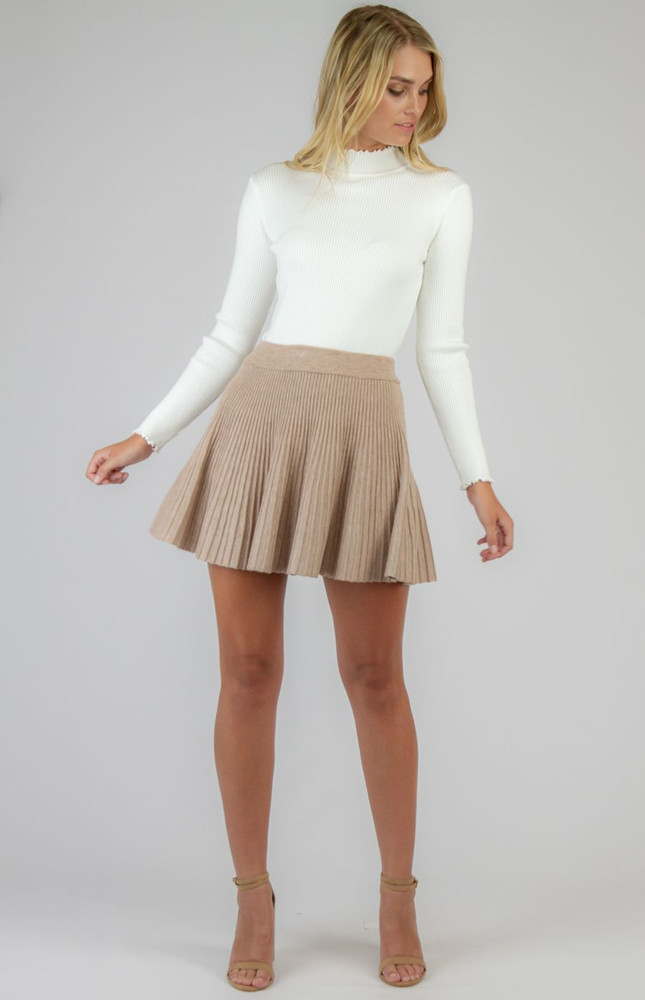 CAMEL PLEATED KNIT SKIRT