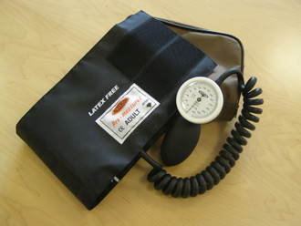 Accoson Pocket Aneroid Model with Coiled Cuff