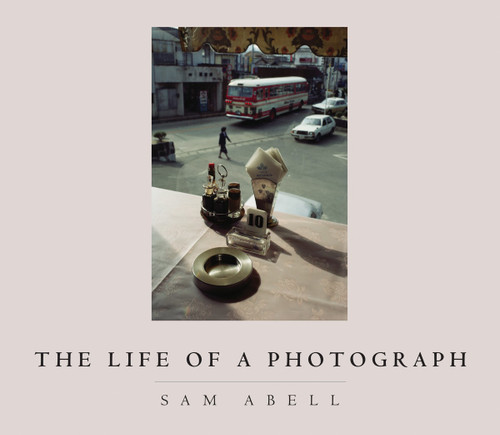 The Life of a Photograph:  - ISBN: 9781426203299