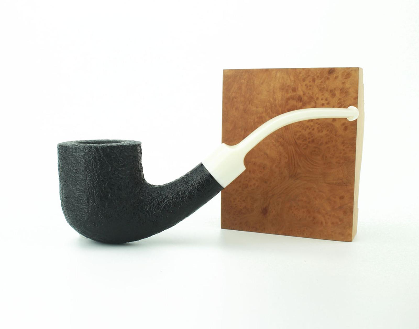 C131DB W - BriarWorks Classic C131 Bent Pot - Dark Blast w/ White Stem