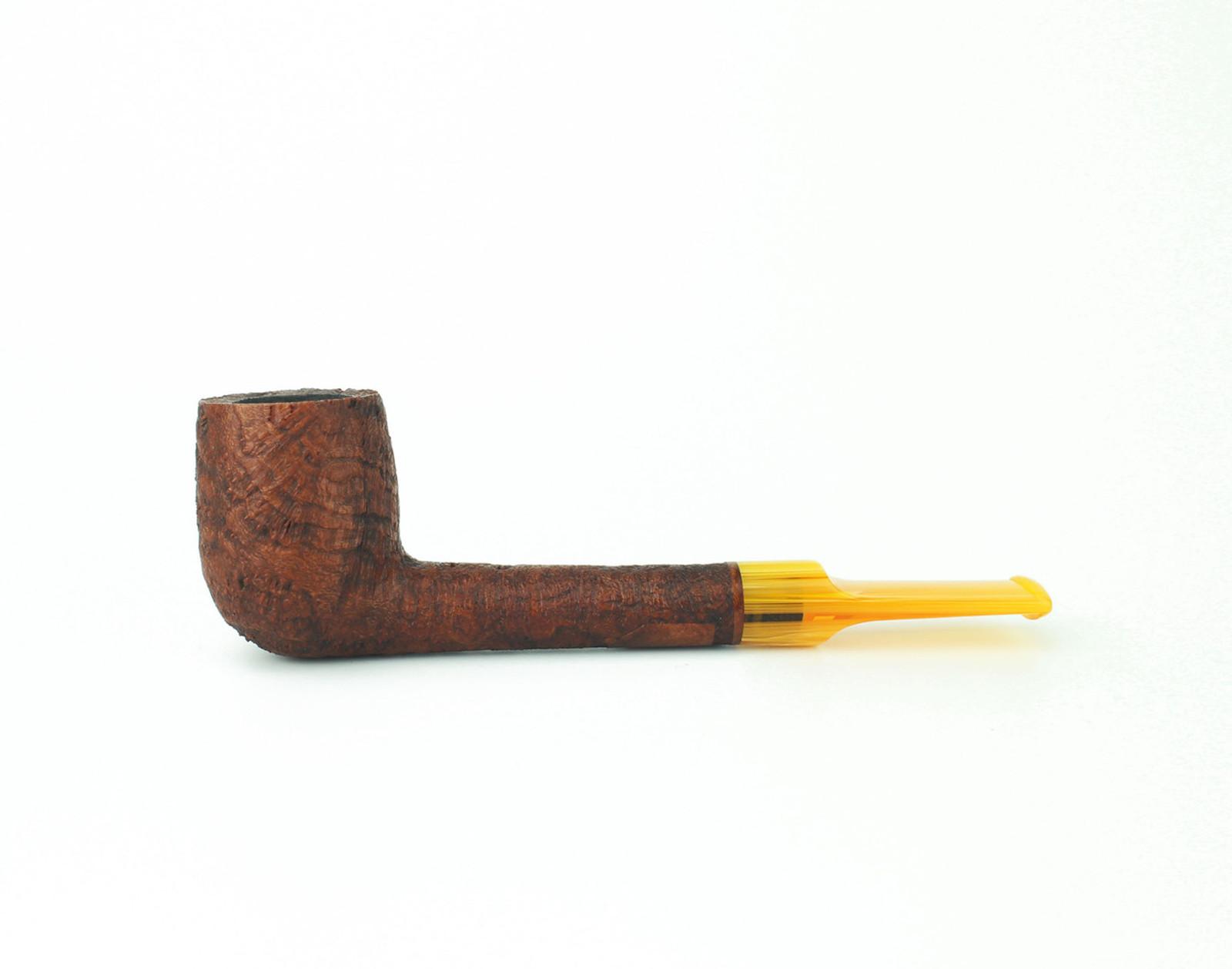 C23BB A - BriarWorks Classic C23 Lovat - Brown Blast w/ Amber Stem
