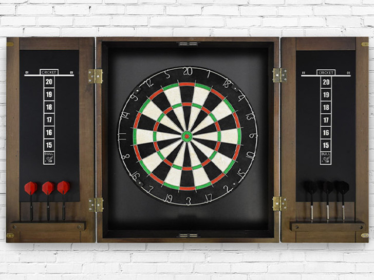Whiskey Steel Tip Dart Board Set