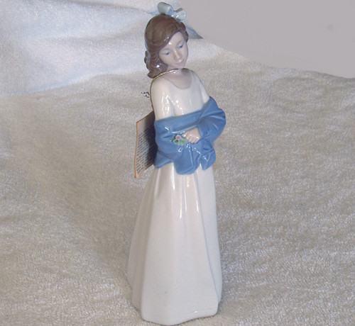 Old NADAL Spanish Porcelain - Young Lady in shawl with flower