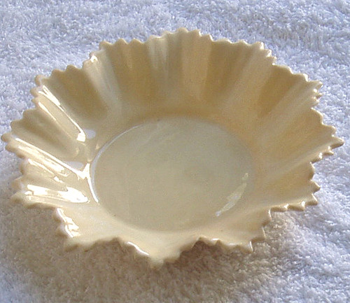 1910 - 1925 SHELLEY Fine China Sweet Dish Creme Tones