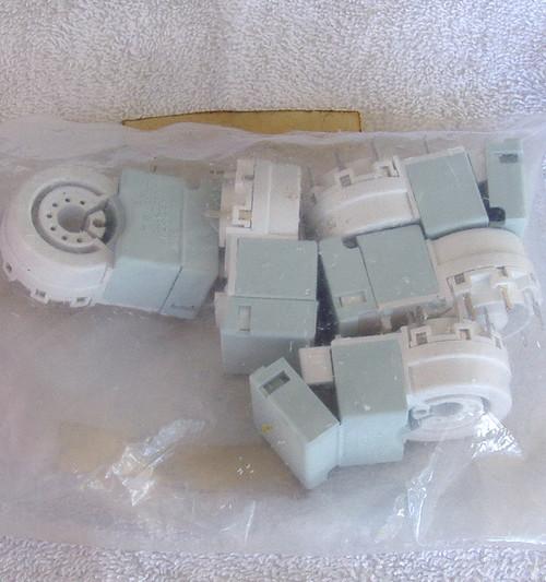 HOSIDEN 1970's electronic 7 plus 1 pin valve tube CRT socket