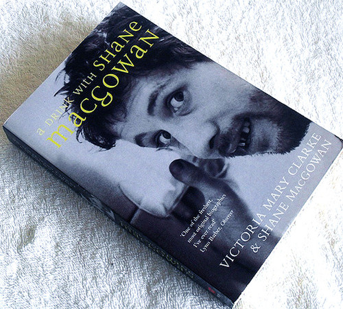 Music Book - A DRINK WITH SHANE MACGOWAN (The Pogues) 2001