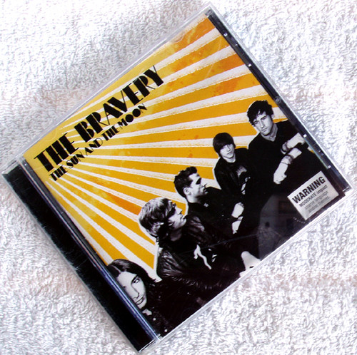 Post Punk New Wave - THE BRAVERY The Sun And The Moon CD 2007