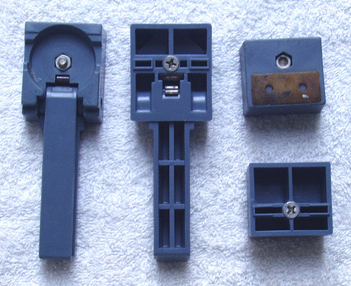 Broadcast Test Equipment ROHDE & SCHWARZ UPSF2 Base Feet (4)
