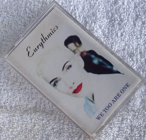Pop Rock  - EURYTHMICS We Too Are One Cassette 1989