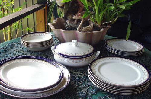 "Beautiful English Chinaware - ALFRED MEAKIN #1867 ""Bleu De Roi"" Dinner Service"
