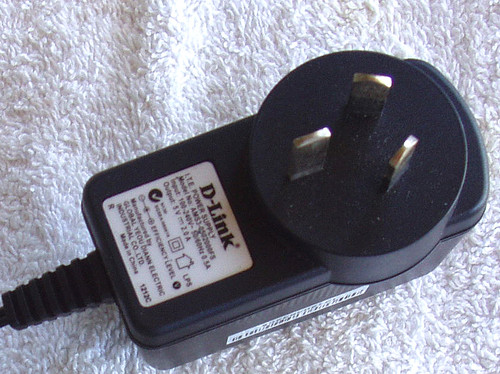 D-LINK Wall Plug Regulated Supply Model AMS3-050200FS 5V @ 2A