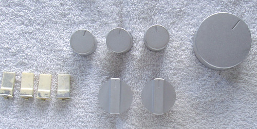TECHNICS SU-V2 Amplifier (Complete Set Of Front Panel Knobs)  SPARE PART