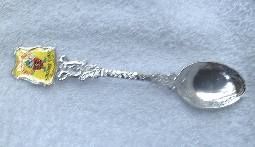 1980's SUPER BEE (Sunshine Coast) Souvenir Teaspoon (Silver Plate)