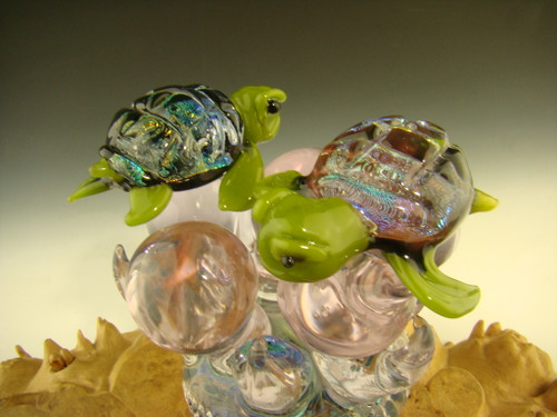 Blown Glass Swimming Sea Turtles Sculpture Paperweight figurine Dichroic Turtle Green by Eli Mazet
